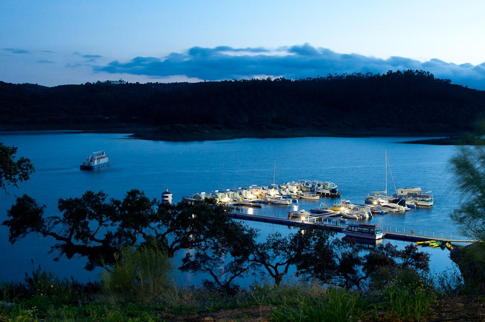 Resultado de imagem para lago alqueva portugal