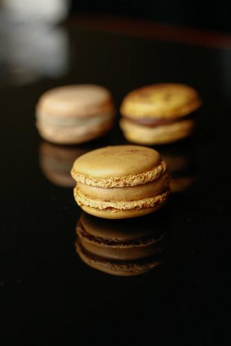 Caramel Pierre Herme macaron