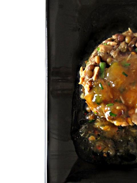 Fausse Tartare di Tonno, Lenticchie e Finocchietto con Salsa al Pompelmo e Pepe Rosa