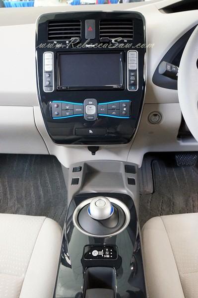 nissan leaf - all electric car-014