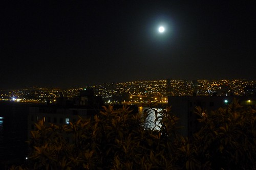 Valparaíso at night