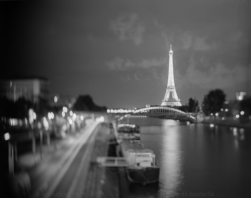 A Paris coule la Seine - II