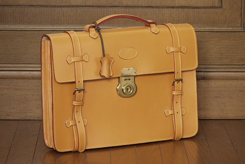 """ Mulberry "" Vintage English Saddle Leather Roger's Briefcase. Late 1980's, United Kingdom"