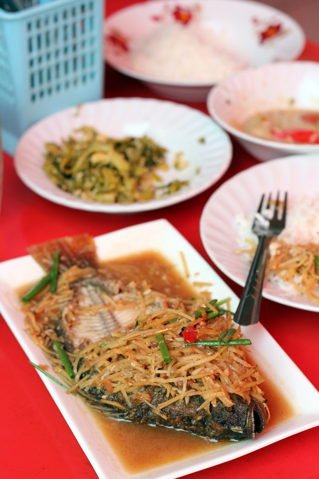 Ancient Street Dining, Fantastic Rice and Curry at Bangkok's