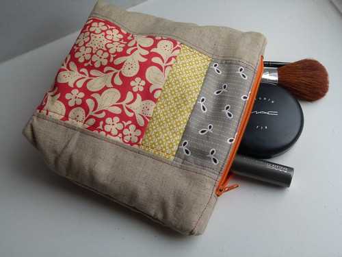 Zippy Makee Up Bag