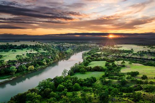 california ca sunset water landscape unitedstates oaks redbluff sacramentoriver ironcanyonloop