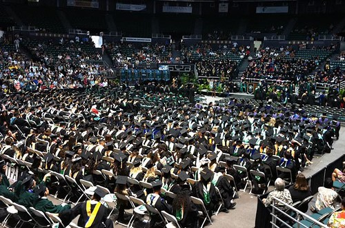 <p>A bird's-eye view of UH Manoa's commencement ceremony for candidates with advanced degrees</p>
