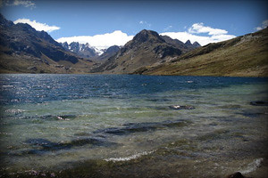 laguna-querococha2-region-ancash-peru