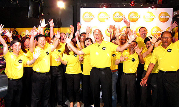 The Scoot team shouting my name together in unison (picture via Yahoo!)