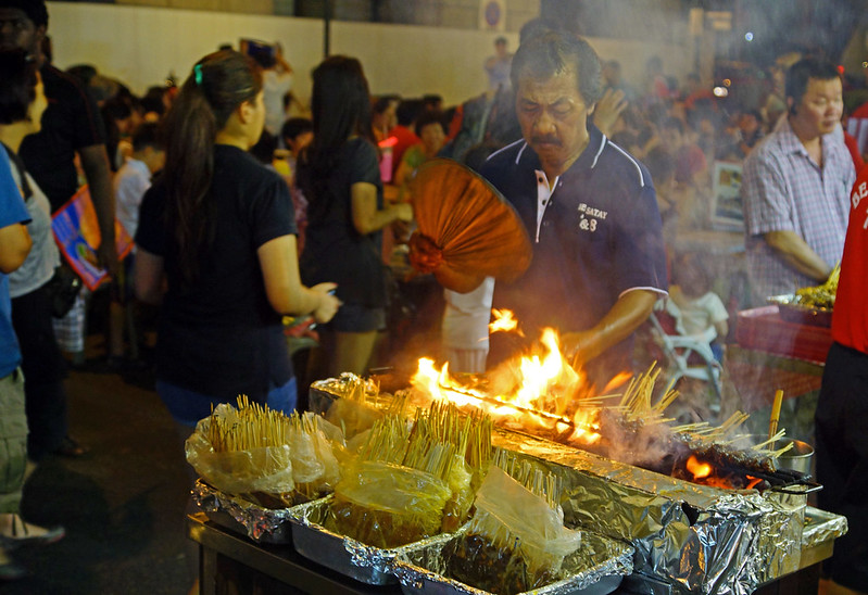 2012-06-17 06-30 Singapore 456 Lau Pa Sat Market