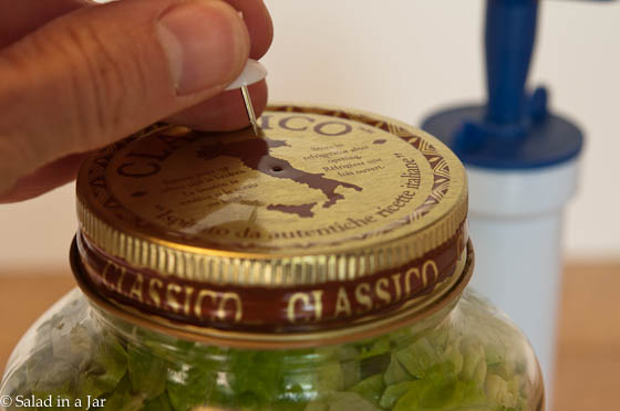 How To Vacuum-Pack Salad in a Jar for Less -- an alternative to a counter top vacuum-pack system
