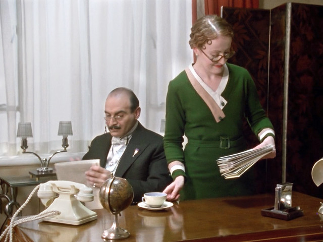 Poirot_MsLemon_CheapFlat_green