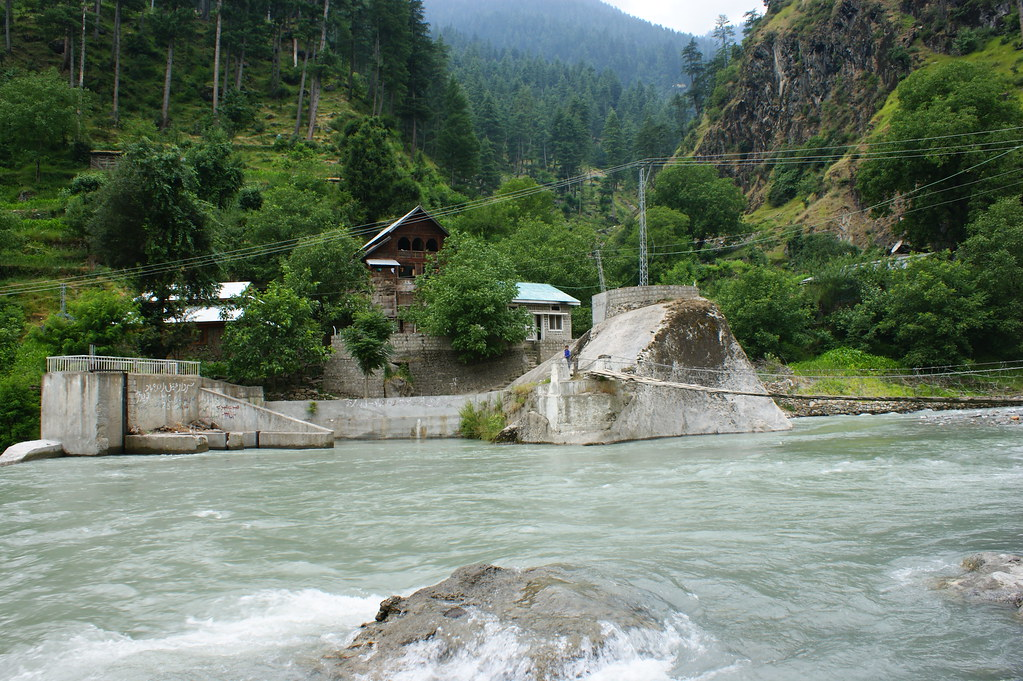 """MJC Summer 2012 Excursion to Neelum Valley with the great """"LIBRA"""" and Co - 7584193512 11fedd2ebb b"""