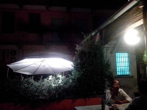 Sotto l'ombrellone notturno by Ylbert Durishti