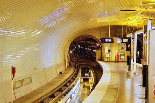Paris Métro Gambetta sur la Ligne 3bis