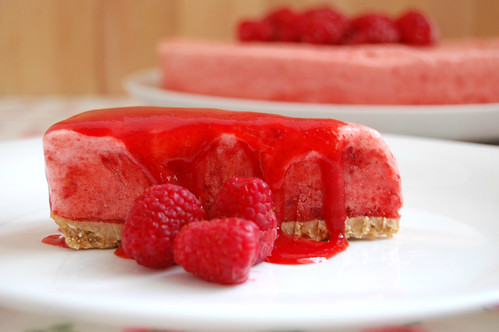 Heavenly Strawberry Cake