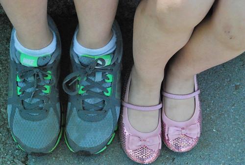 feets-001