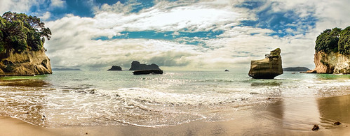new zealand :: cathedral cove panorama
