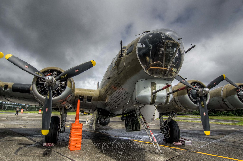 "Collings Foundation B-17G ""Nine-0-Nine"""