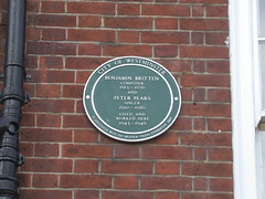 Photo of Benjamin Britten and Peter Pears green plaque