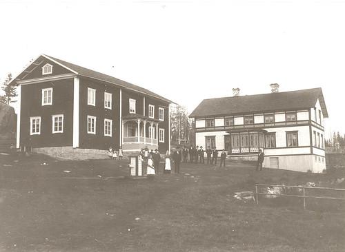 22_12 Olars gård Knåda - Cykelverkstad t vänster  i röda byggningen