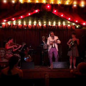 17 Parisian Jazz at the Jalopy