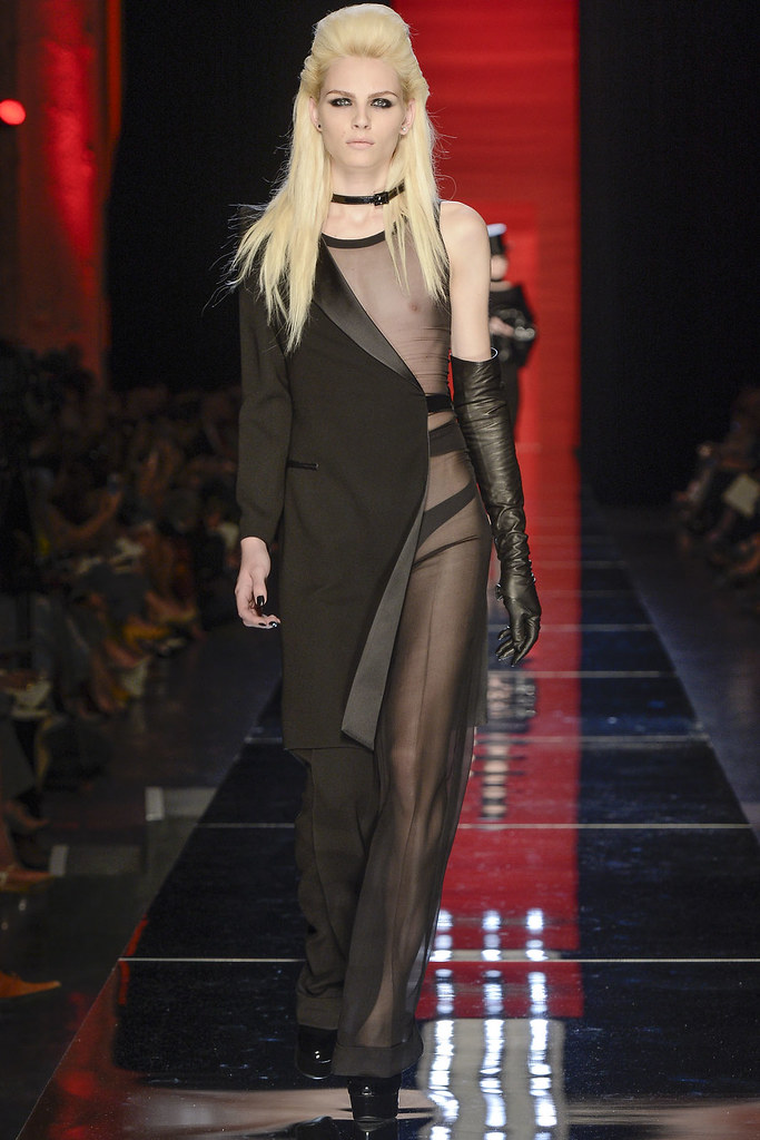 Andrej Pejic3308_FW12 Paris Jean Paul Gaultier Haute Couture(VOGUE)