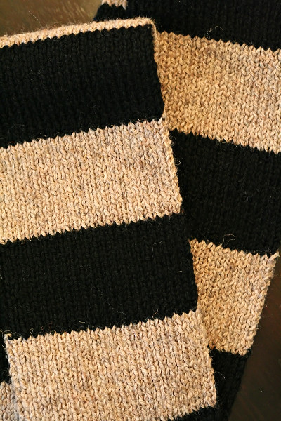 1x1 rib knitted striped scarf