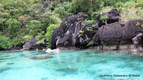 el-nido-lagoon-clear-water