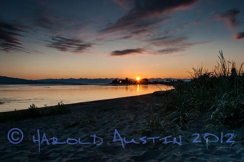 canada water sunrise waterfront britishcolumbia july vancouverisland parksville 2012 seacscape parksands nikon18105mmf35~56