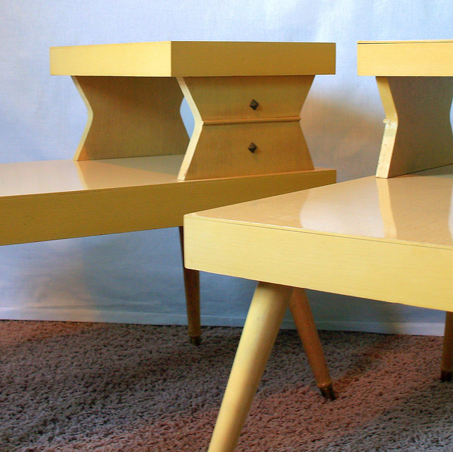 Vintage 50s mid century modern blonde 2 tiered end table set retro