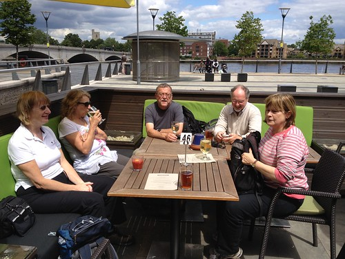 Thames Path 02 - Lunch at The Boathouse