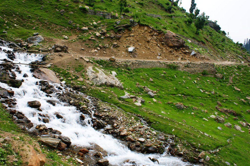 """MJC Summer 2012 Excursion to Neelum Valley with the great """"LIBRA"""" and Co - 7589217338 910c1e6a0c b"""