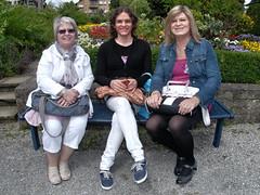 Farah mit Carmen und Sylvia nach dem Interview