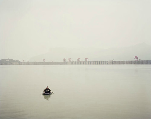 Nadav Kander, Three Gorges Dam II< Yichang, Hubei Province