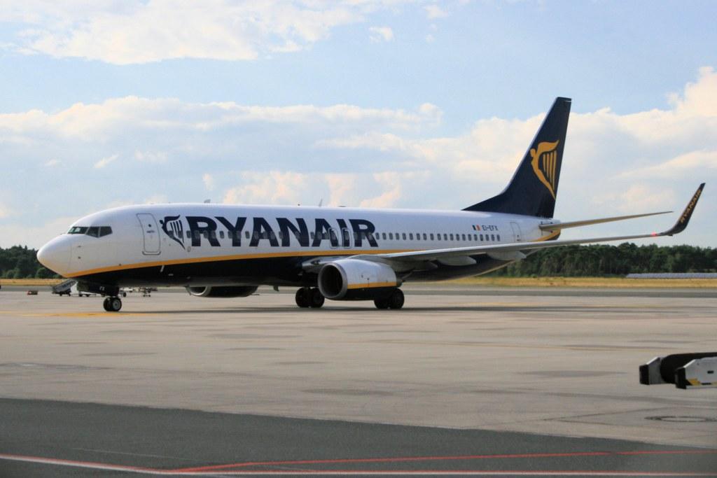EI-EFX - B738 - Ryanair