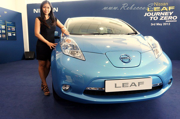 nissan leaf - all electric car-005