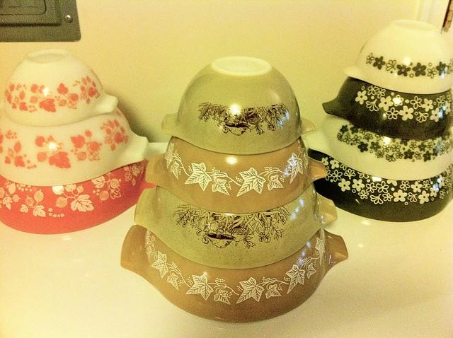 Vintage Pyrex Nesting Bowl Sets