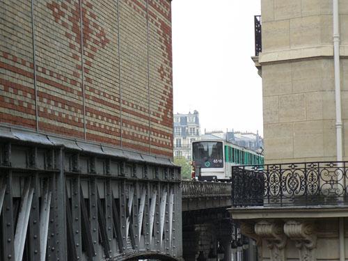 métro à Passy.jpg