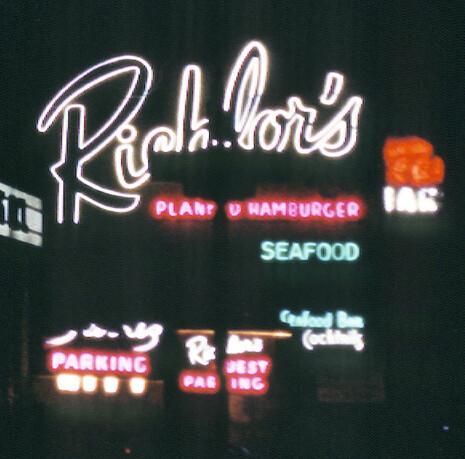 richlors sign detail