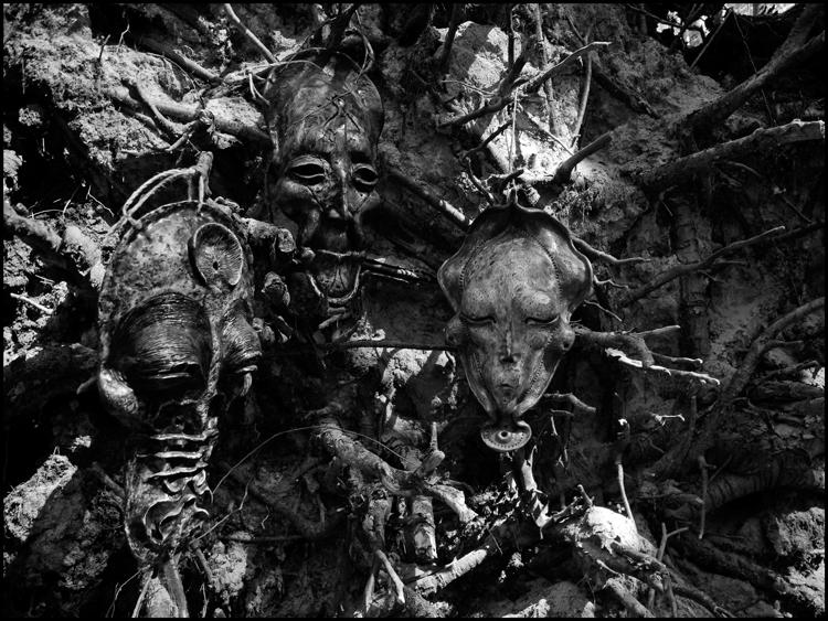 black_mask_wood_3_l