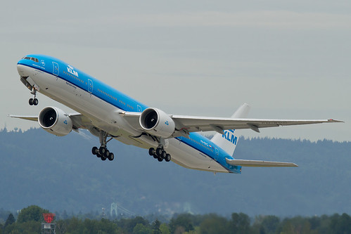 B77W - Boeing 777-306(ER)