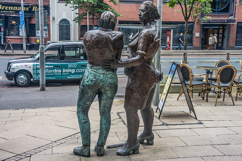 Belfast - Monument to the Unknown Worker By Louise Walsh (Great Victoria Street) by infomatique