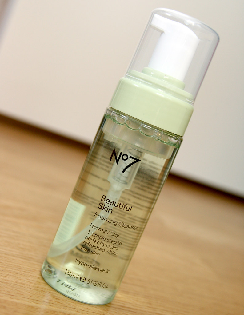 No7 beautiful skin normal:oily foaming cleanser
