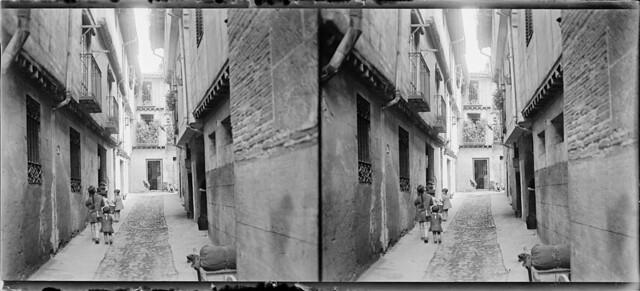 Callejón de Bodegones en junio de 1927. Fotografía de Albert Oliveras i Folch. © Arxiu Fotogràfic de Catalunya. Centre Excursionista de Catalunya