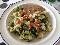 Escarole mash with mushroom gravy