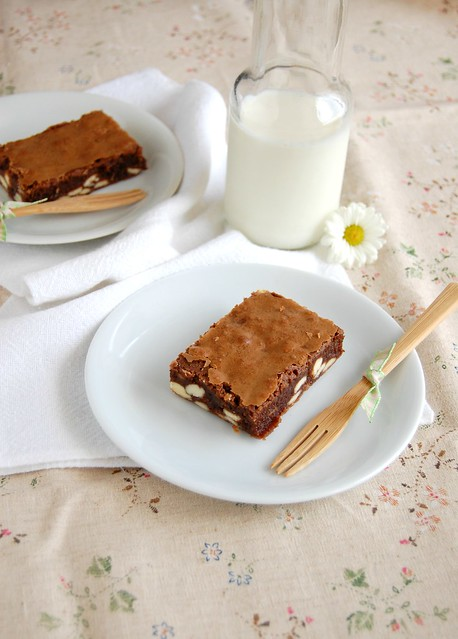 Easy double choc brownies / Brownies fáceis com chocolate branco