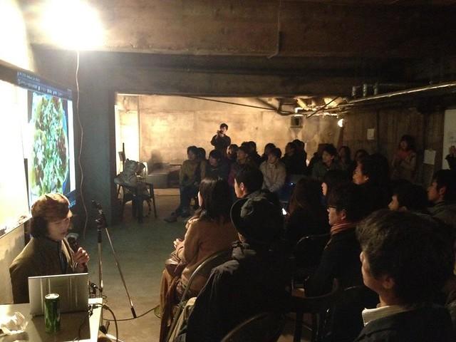東京に増えているコワーキングオフィス _ 04 地下には大規模イベントスペースあり