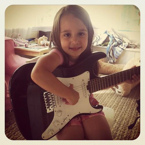 WPIR - guitar-001