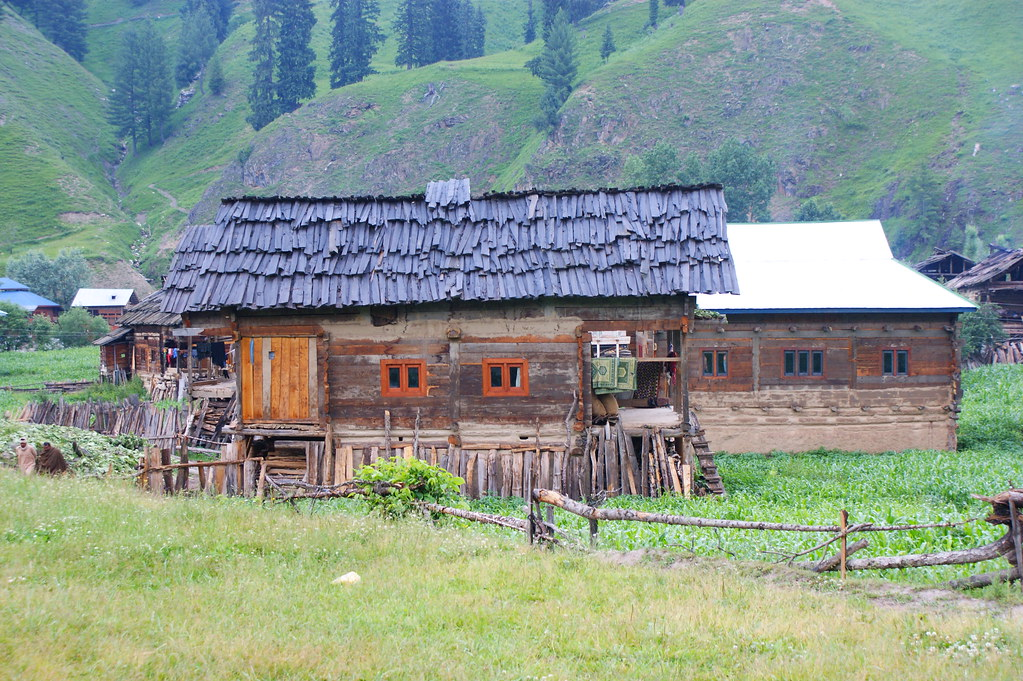 """MJC Summer 2012 Excursion to Neelum Valley with the great """"LIBRA"""" and Co - 7595673664 a7b9b5923d b"""